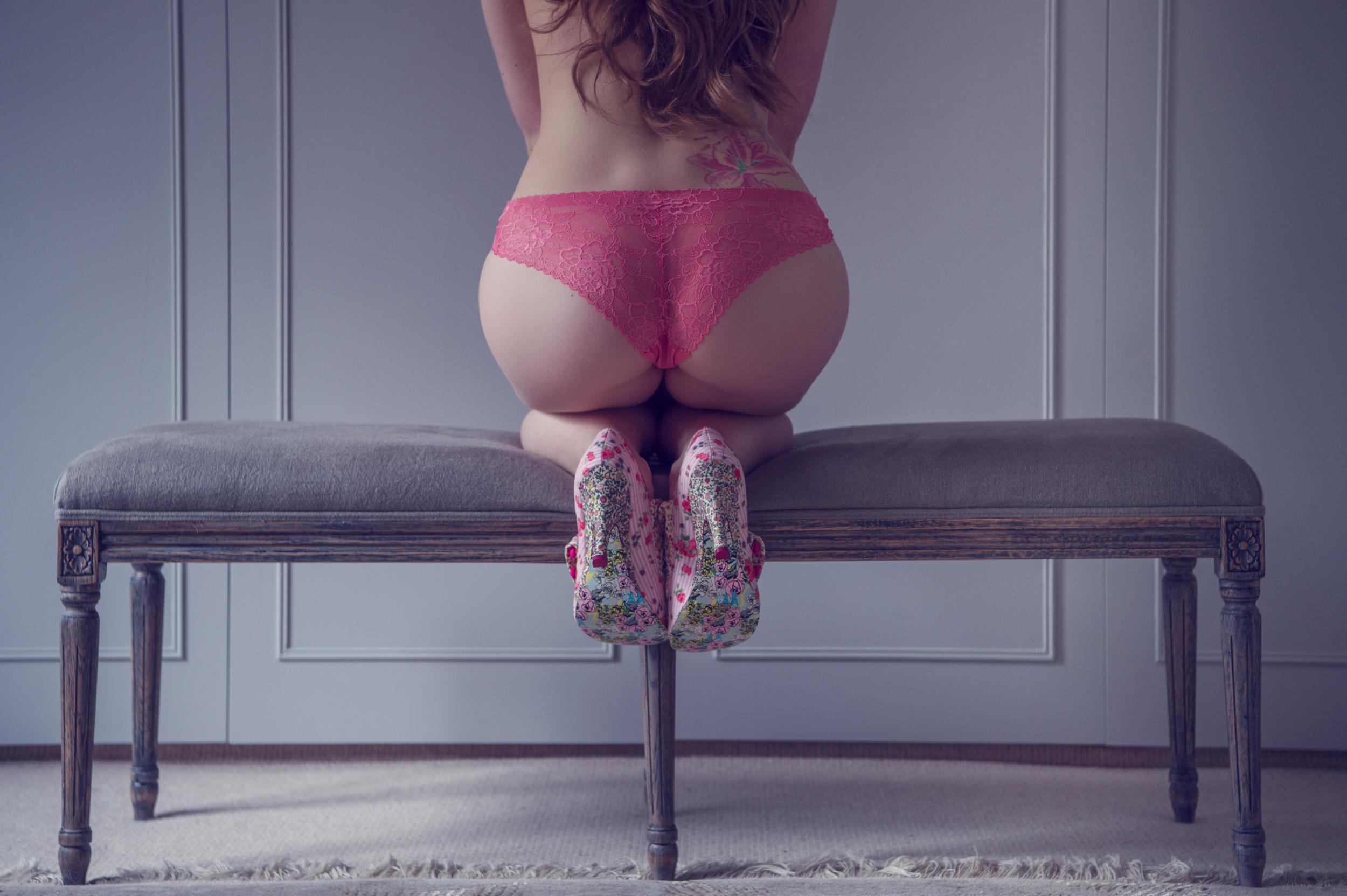 https://katehopewellsmith.com/wp-content/uploads/boudoir-photography-experience-testimonial-by-kate-hopewell-smith-0002.jpg