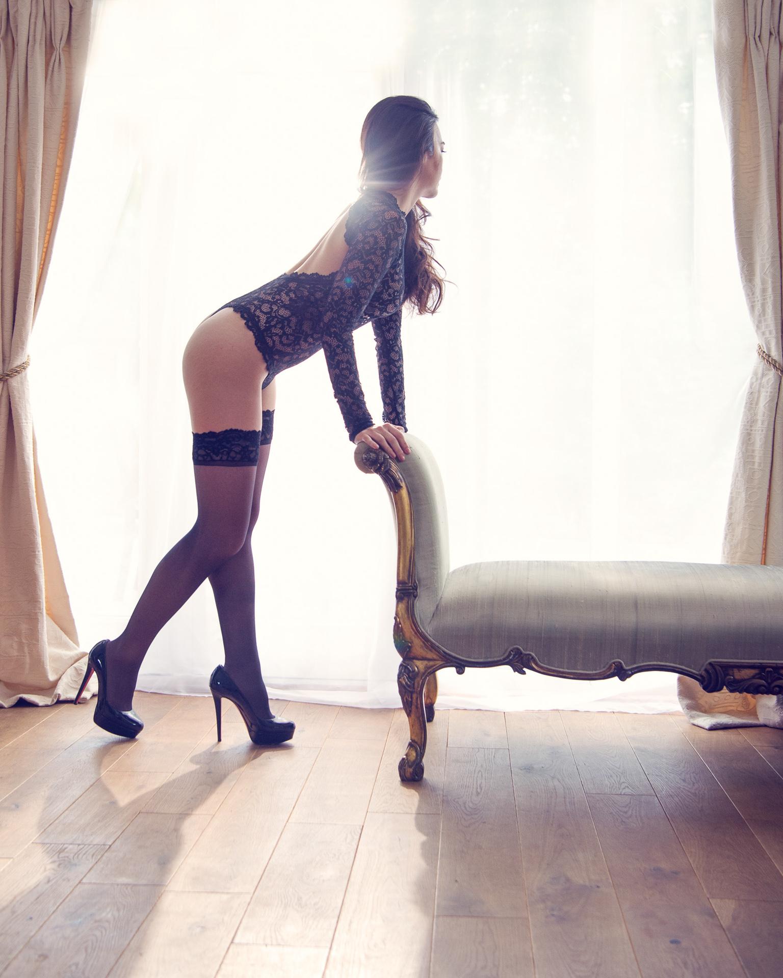 https://katehopewellsmith.com/wp-content/uploads/boudoir-photography-inspiration-kate-hopewell-smith-5.jpg