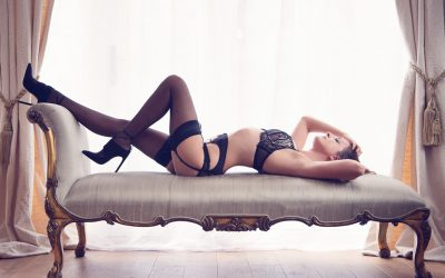 How to Style Your Boudoir Shoot